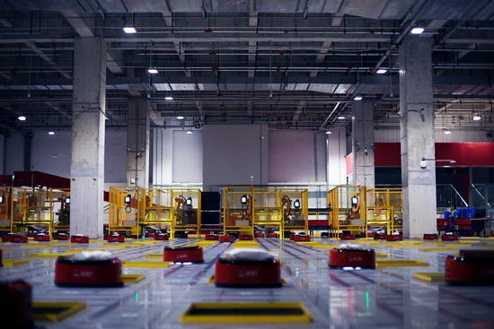 机器人当主角 京东首度对外揭秘亚洲一号无人仓