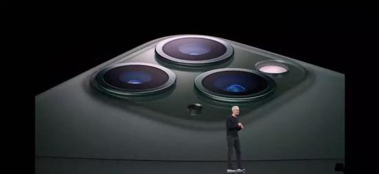 iPhone新品直降1000元,后背浴霸三摄,看炸了